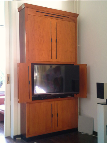 Tv kast in art deco stijl meubelmaker marcel sanders for Art deco meubilair