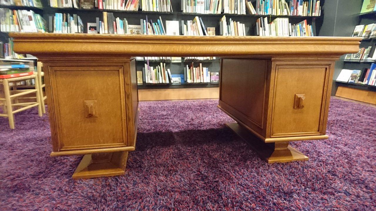 Restauratie van het bureau bibliotheek